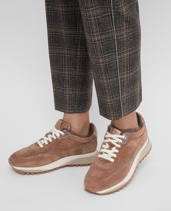 Пудровые замшевые кроссовки на меху hover
