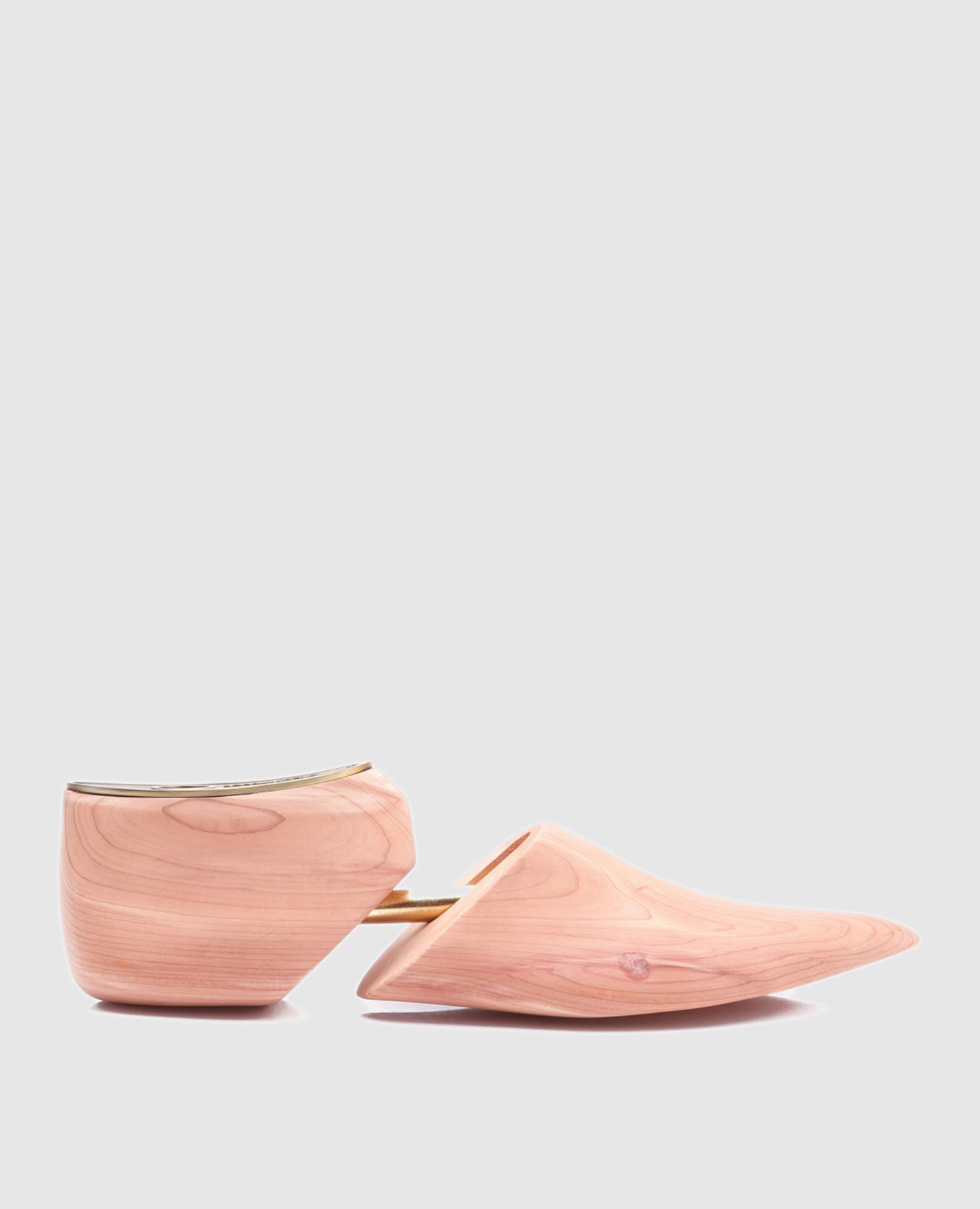 Бежевая колодка для обуви  из кедра