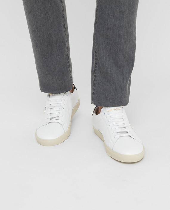 Белые кожаные сникеры hover