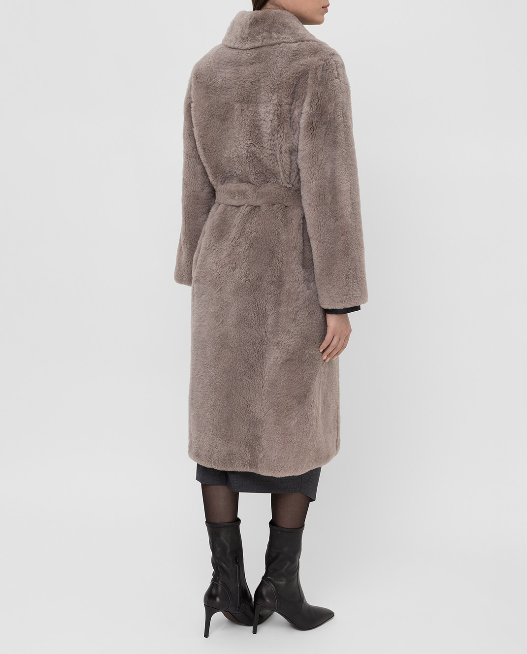 Brunello Cucinelli Бежевое меховое пальто изображение 4