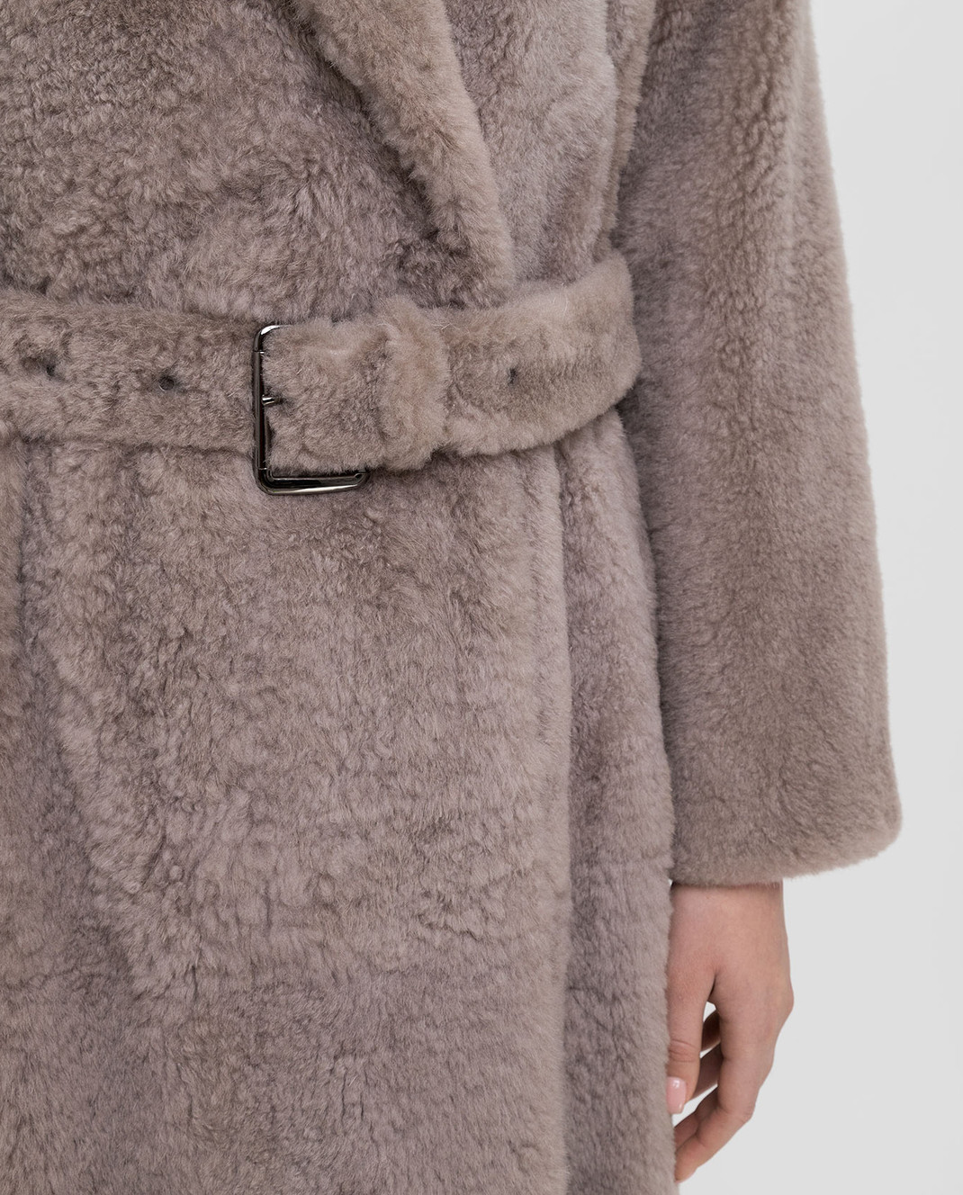 Brunello Cucinelli Бежевое меховое пальто изображение 5
