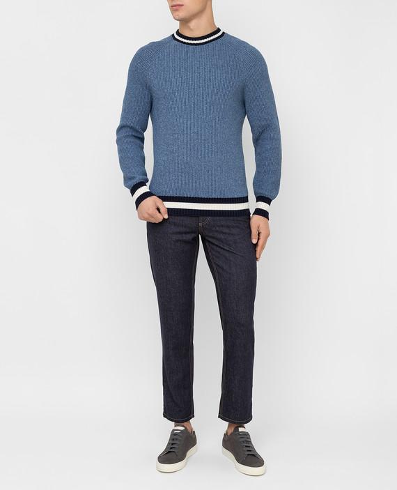 Голубой свитер hover