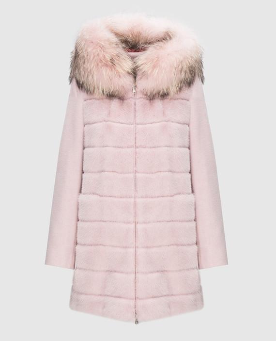 Розовое пальто с мехом енота