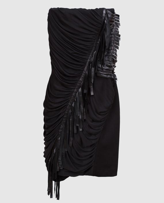 Черное платье из драпированного шелка с деталями из кожи