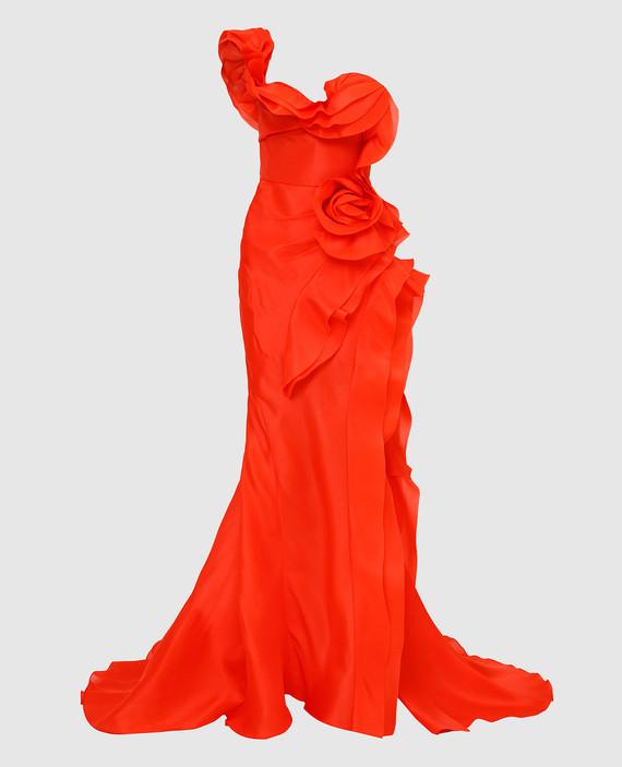 Алое платье из шелка