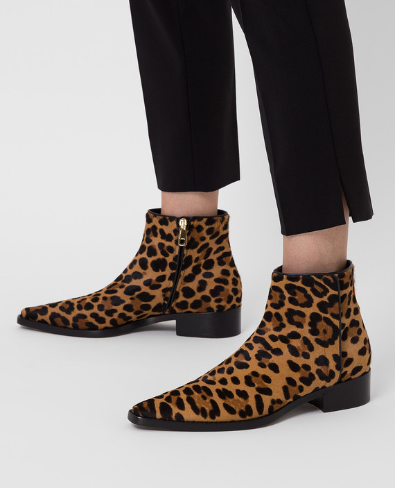 Коричневые ботинки из шерсти пони hover