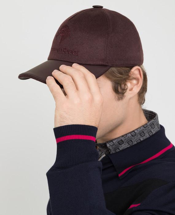 Бордовая кепка из кашемира hover