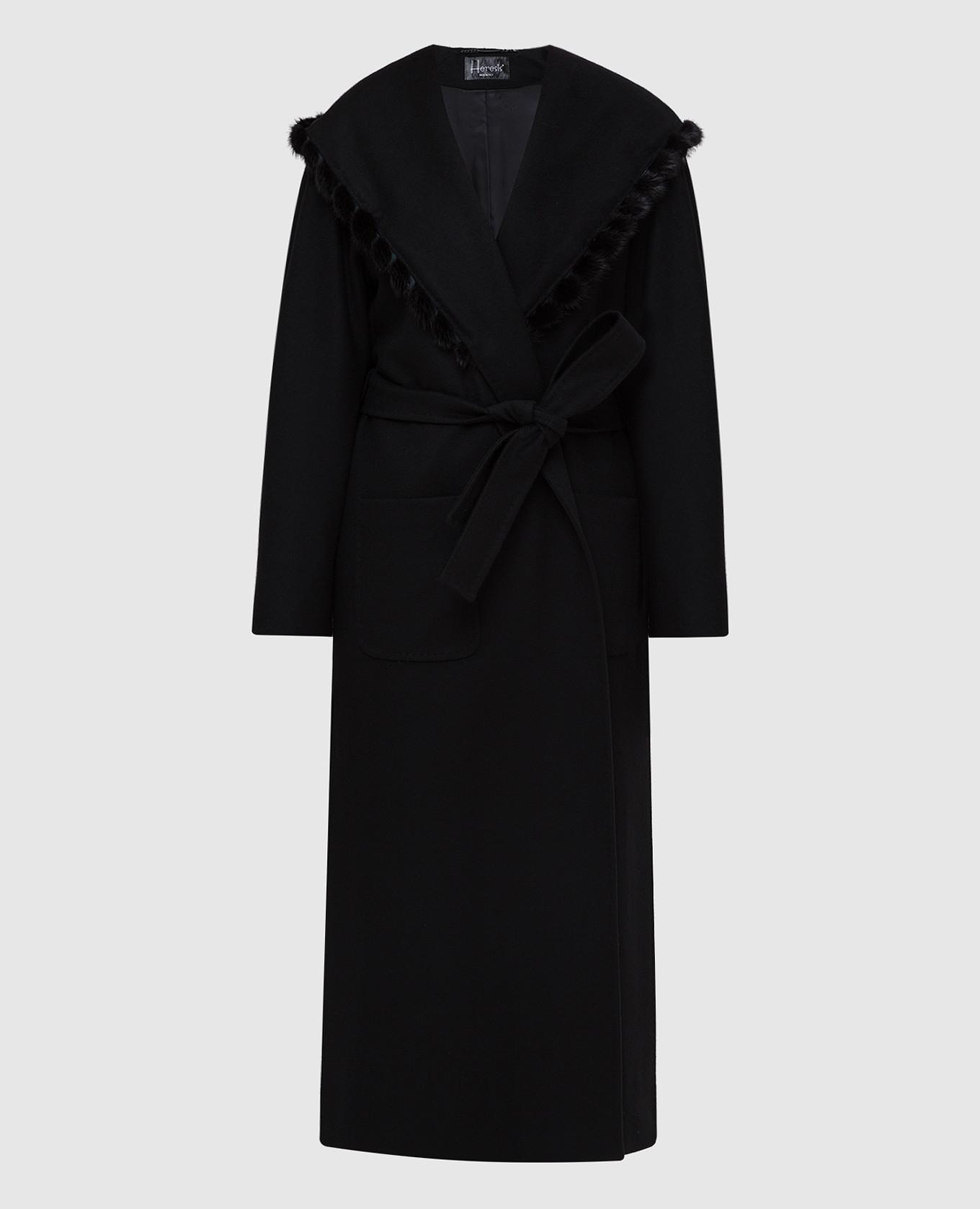 Черное пальто из шерсти