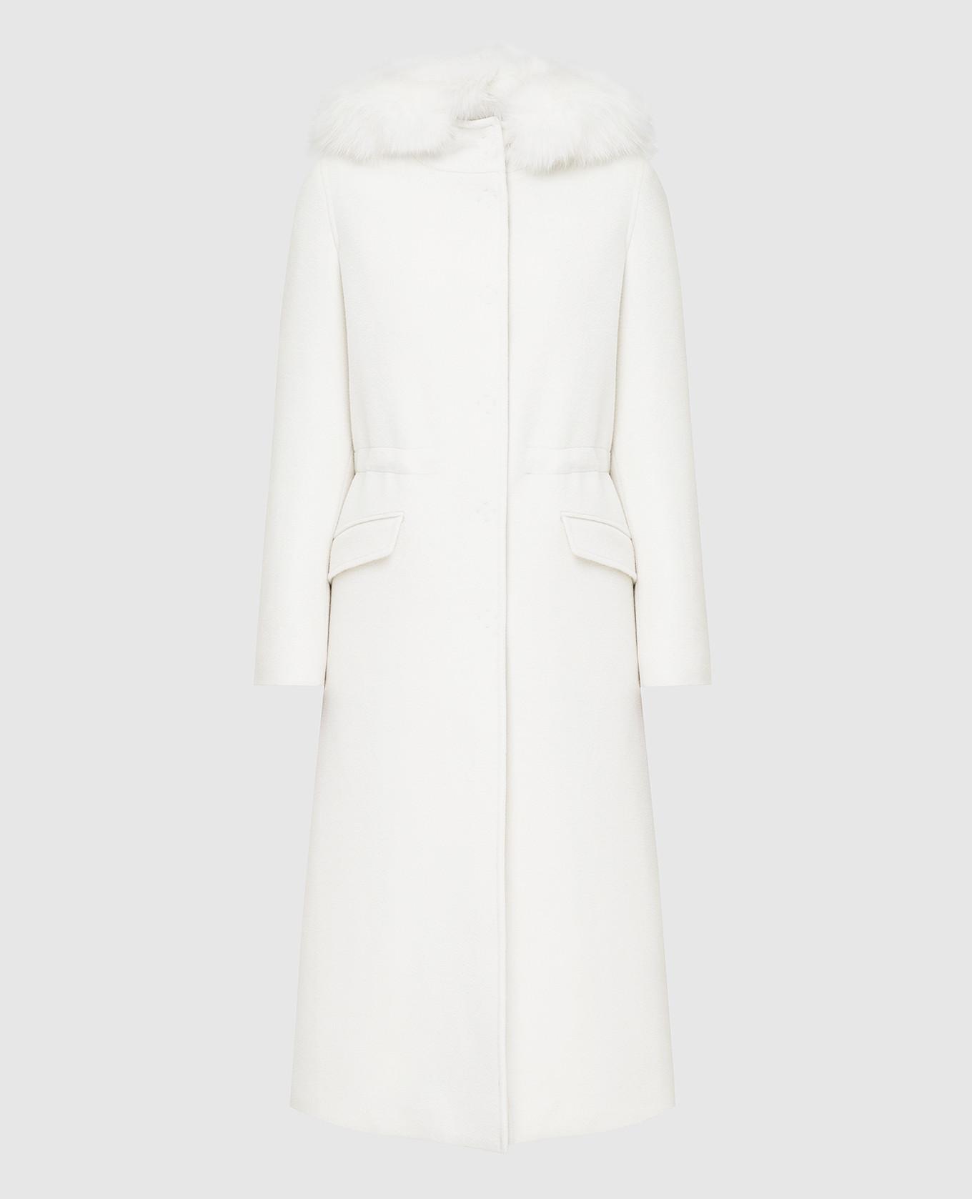 Белое пальто с мехом лисы
