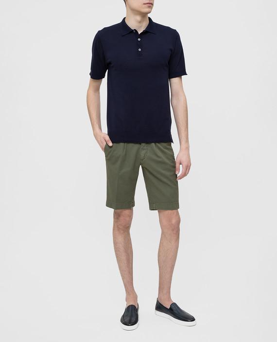 Зеленые шорты hover