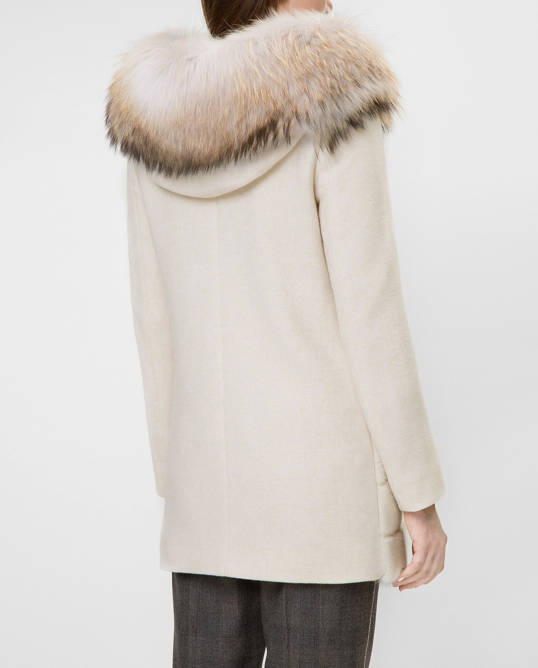 Real Furs House Светло-бежевое пальто с мехом енота 922RFH изображение 4