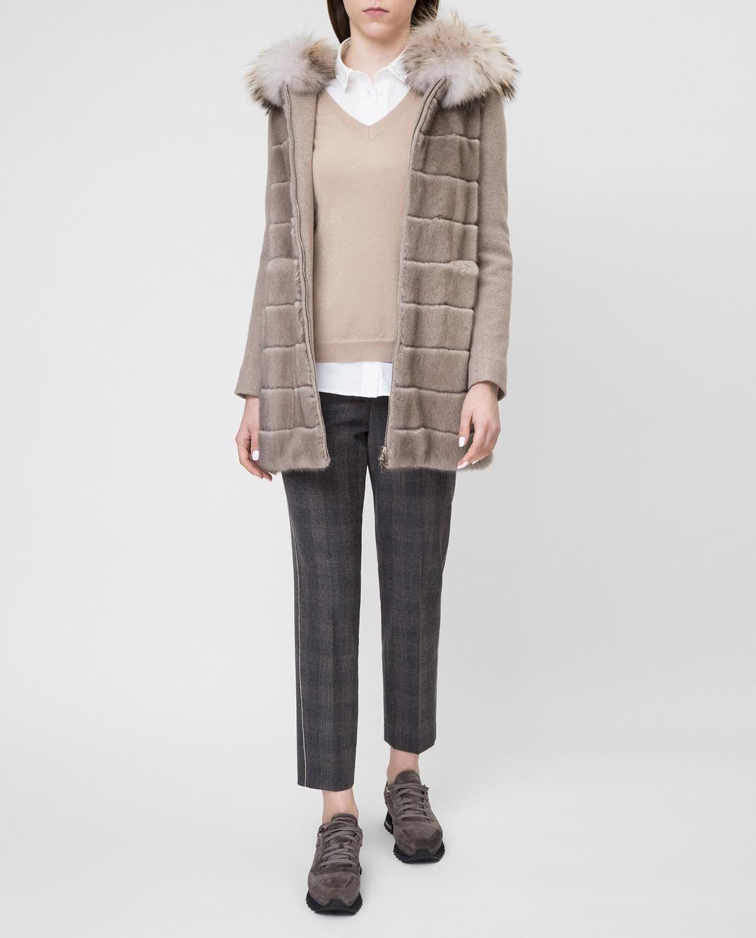 Real Furs House Бежевое пальто с мехом енота 922RFH изображение 2