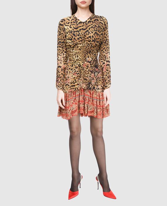 Бежевое платье из шелка hover