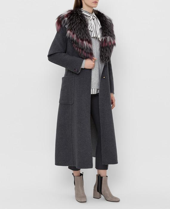 Серое пальто из шерсти и кашемира с мехом лисы hover