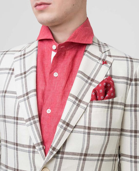 Красный платок из шелка hover