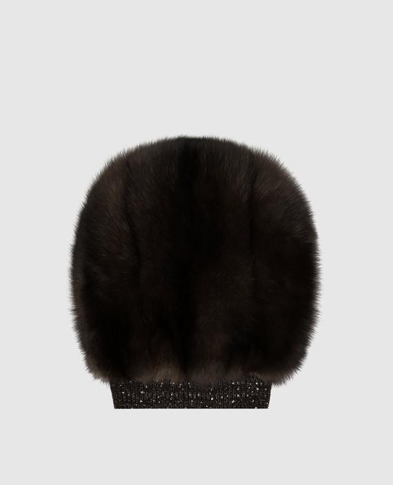 Коричневая шапка из меха соболя