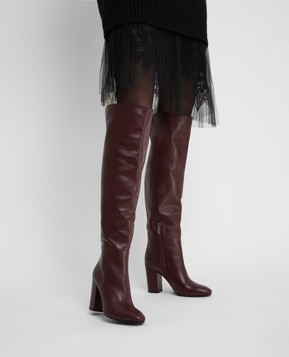 Бордовые кожаные ботфорты hover