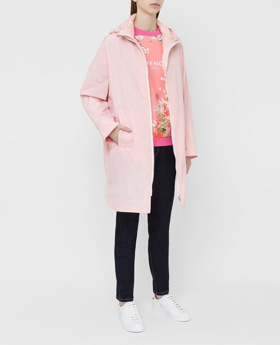 Розовая куртка hover