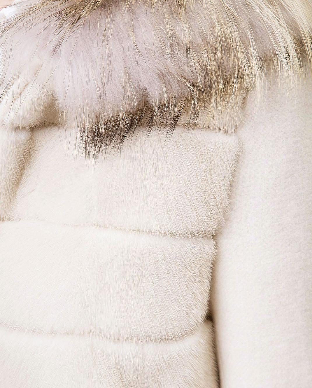 Real Furs House Светло-бежевое пальто с мехом енота 922RFH изображение 5