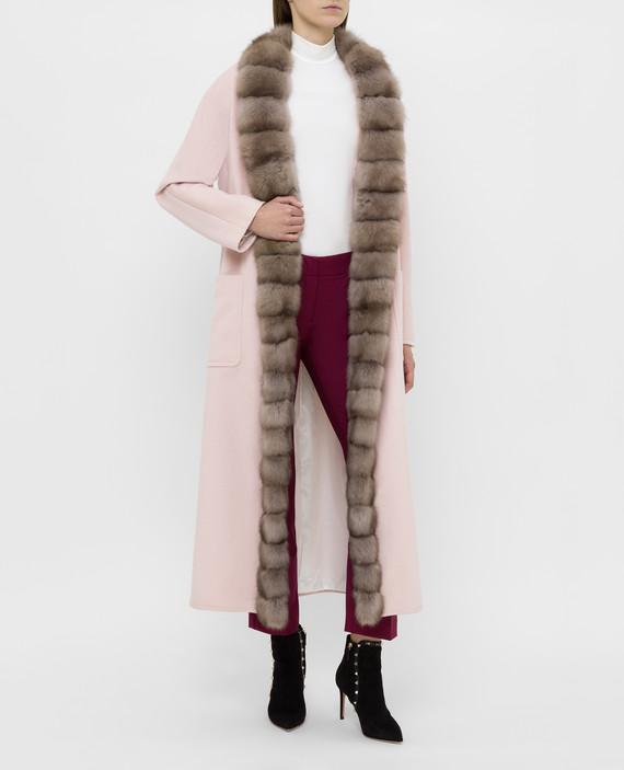 Светло-розовое пальто из кашемира с мехом соболя hover