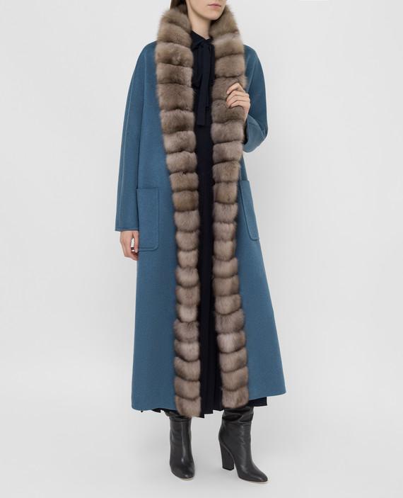 Синее пальто из кашемира с мехом соболя hover