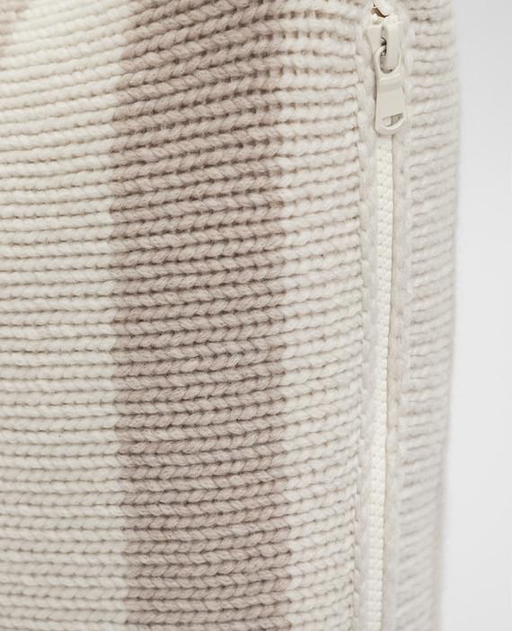 Подушка из кашемира hover