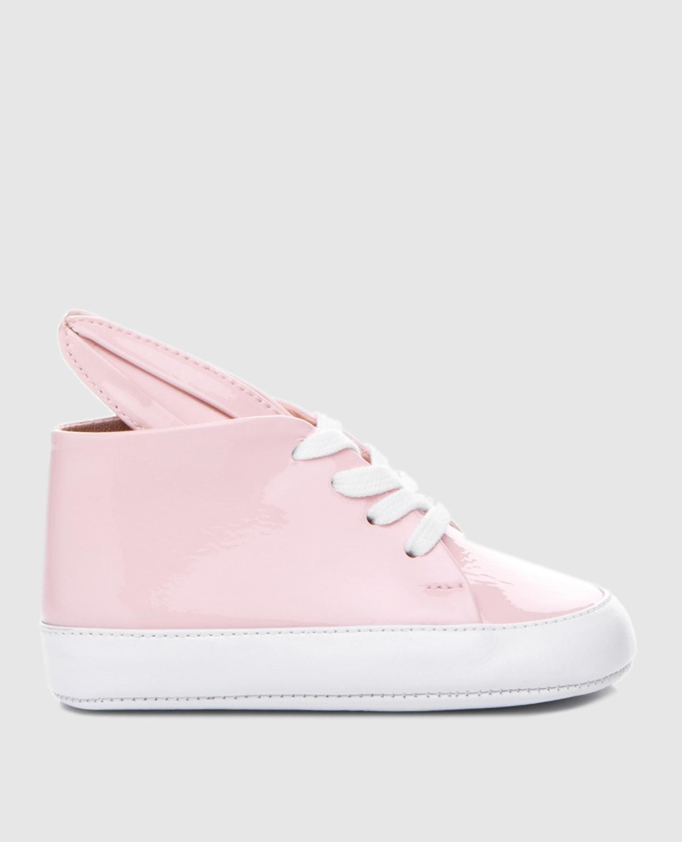 Детские розовые ботинки