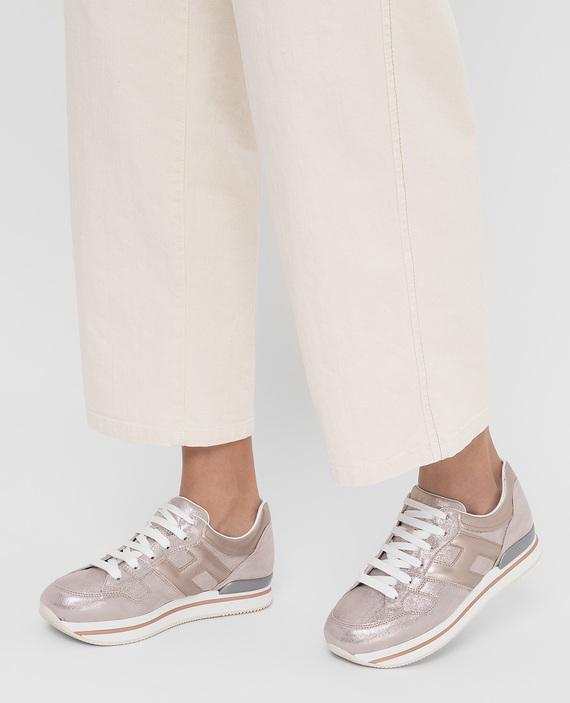 Серебристые кожаные кроссовки hover